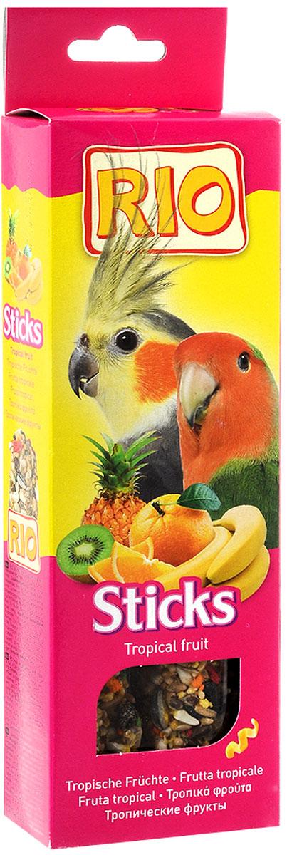 Палочки для средних попугаев Rio, с тропическими фруктами, 2 х 75 г56823Лакомство для средних попугаев с тропическими фруктами. Дополнительное питание для декоративных птиц. В процессе производства палочки запекаются в специальных печах особым способом. Это обеспечивает превосходный вкус и хрустящую консистенцию палочек. Каждая палочка содержит более 15 ингредиентов. Разнообразные семена, фрукты, орехи, мед и другие компоненты делают палочку особенно вкусной. С таким лакомством ваша птица проведет время активно и весело. Товар сертифицирован.