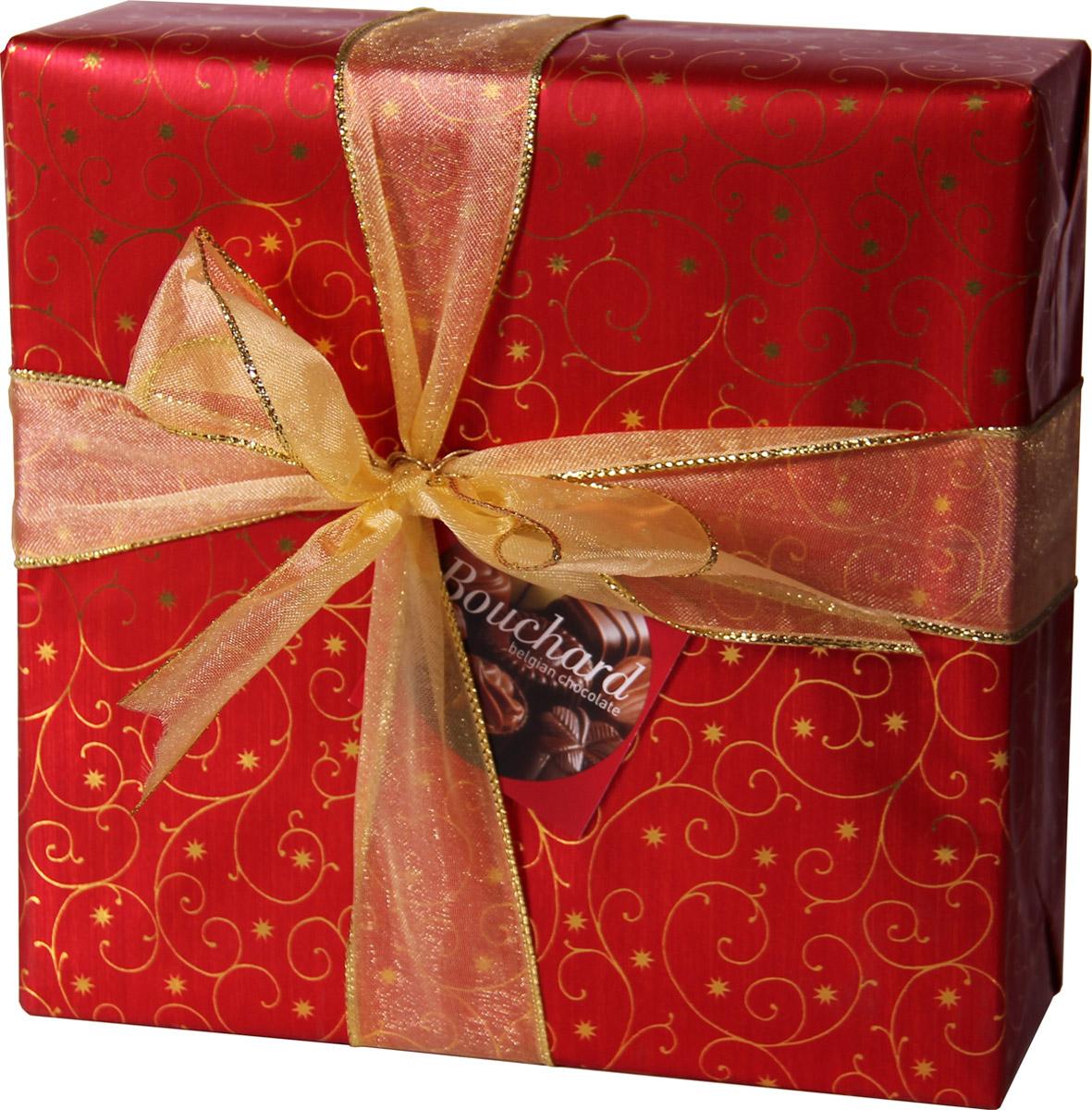 Bouchard Ассорти Премиум Бельгийская Шоколадная коллекция, 370 г50579991Восхитительные бельгийские шоколадные конфеты BOUCHARD L'ESCAUT Ассорти Премиум произведут впечатление на самого разборчивого знатока шоколада. Конфеты Bouchard наполнены нежнейшим кремом с добавлением миндаля и фундука. Покрыты изысканным бельгийским шоколадом. Отличаются ароматом ванили и насыщенным вкусом с притягательной терпкостью. Бельгийцы - непревзойденные мастера в приготовлении шоколада - считают это лакомство лучшим подарком. Нежный, буквально тающий во рту, он доставит удовольствие всем любителям сладкого.