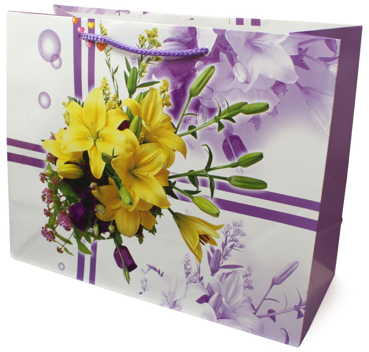 Пакет подарочный МегаМАГ Цветы, 32,7 х 26,4 х 13,6 см. 813 LH813 LHПодарочный пакет МегаМАГ, изготовленный из плотной ламинированной бумаги, станет незаменимым дополнением к выбранному подарку. Для удобной переноски на пакете имеются ручки-шнурки. Подарок, преподнесенный в оригинальной упаковке, всегда будет самым эффектным и запоминающимся. Окружите близких людей вниманием и заботой, вручив презент в нарядном, праздничном оформлении.