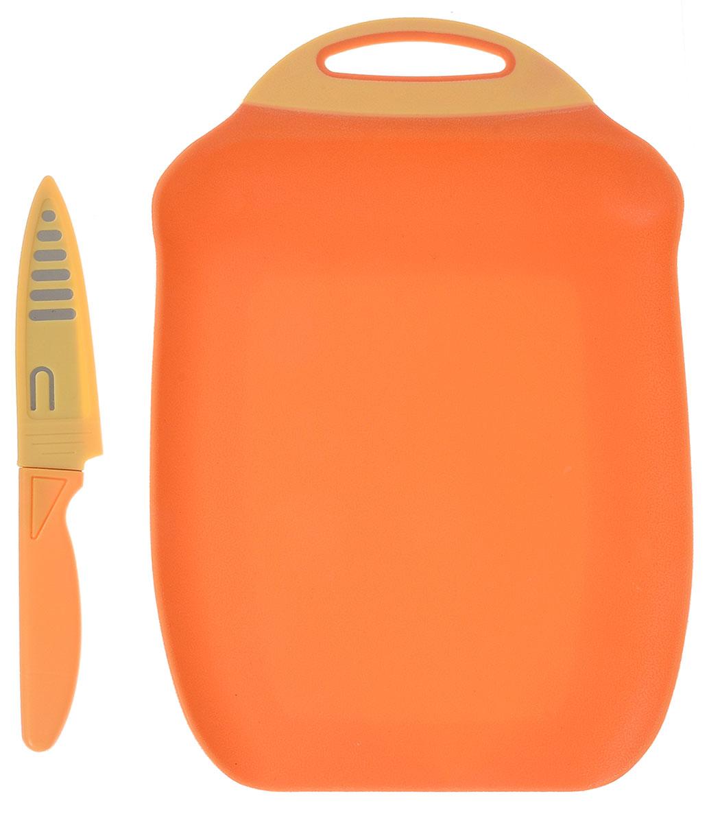Доска разделочная Menu Ланч, с ножом, цвет: оранжевый, 27 х 18 смLNC-27_оранжевыйРазделочная доска Menu Ланч изготовлена из высококачественного пищевого пластика и предназначена для разделывания рыбы, мяса, нарезки овощей, фруктов, колбас, сыра и хлеба. Поверхность доски не тупит лезвия ножей и не впитывает запахи продуктов. В конструкции доски предусмотрены специальные небольшие бортики, которые предотвратят случайное ссыпание продуктов. Для удобства хранения доска имеет отверстие для подвешивания. В комплекте имеется нож из нержавеющей стали с защитным чехлом. Эргономичная пластиковая рукоятка не позволяет ножу выскальзывать из рук. Любая хозяйка оценит функциональность данного набора. Мыть только вручную. Размер разделочной доски: 27 х 18 см. Длина ножа: 19 см. Длина лезвия ножа: 10 см.
