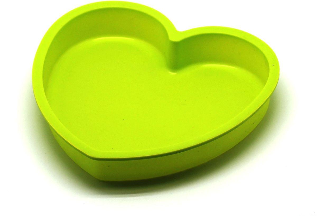 Форма для выпечки Atlantis Сердце, цвет: зеленый, 23,6 х 22,6 х 3,8 см. SC-BK-017-GSC-BK-017-GФорма для выпечки силиконовая Atlantis — это отличная форма для выпекания пирога, которая сделана из пищевого силикона. Посуда идеально подходит для выпекания различной выпечки, ведь форма предотвращает тесто от «вытекания», при этом, предоставляя возможность с легкостью извлечь готовую выпечку и получить на ней красивый рисунок. Пищевой силикон абсолютно безопасен и не вступает в реакцию с продуктами, а так же не влияет на запах и вкус готового изделия.