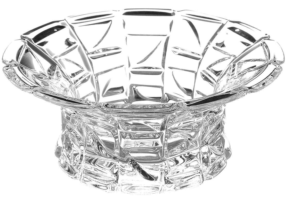 Салатник Crystal Bohemia, диаметр 12,5 см990/65803/0/47610/125-109Элегантный салатник Crystal Bohemia выполнен из настоящего чешского хрусталя с содержанием 24% оксида свинца, что придает изделию поразительную прозрачность и чистоту, невероятный блеск, присущий только ювелирным изделиям, особое, ни с чем не сравнимое светопреломление и игру всеми красками спектра как при естественном, так и при искусственном освещении. Салатник Crystal Bohemia идеально подойдет для сервировки стола и станет отличным подарком к любому празднику. Диаметр салатника (по верхнему краю): 12,5 см.