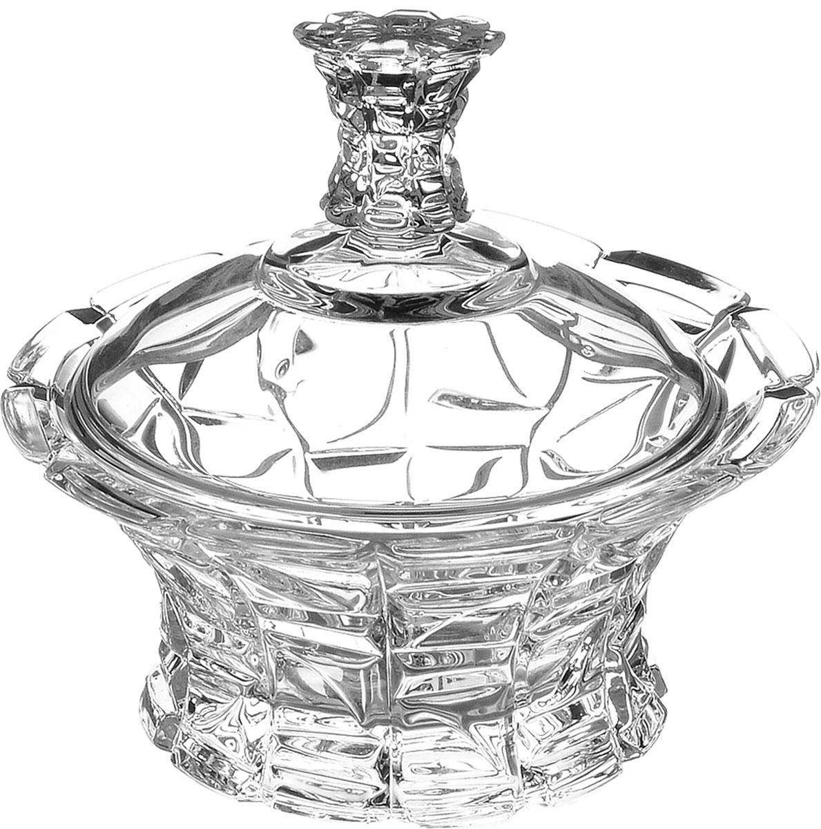 Конфетница Crystal Bohemia, с крышкой, диаметр 12,5 см990/53703/1/47610/125-109Элегантная конфетница Crystal Bohemia выполнена из настоящего чешского хрусталя с содержанием 24% оксида свинца, что придает изделию поразительную прозрачность и чистоту, невероятный блеск, присущий только ювелирным изделиям, особое, ни с чем не сравнимое светопреломление и игру всеми красками спектра как при естественном, так и при искусственном освещении. Изделие предназначено для подачи сладостей (конфет, сахара, меда, изюма, орехов и многого другого). Она придает легкость, воздушность сервировке стола и создаст особую атмосферу праздника. Конфетница Crystal Bohemia не только украсит ваш кухонный стол и подчеркнет прекрасный вкус хозяина, но и станет отличным подарком для ваших близких и друзей. Диаметр конфетницы (по верхнему краю): 12,5 см. Высота конфетницы (с учетом крышки): 11,5 см.
