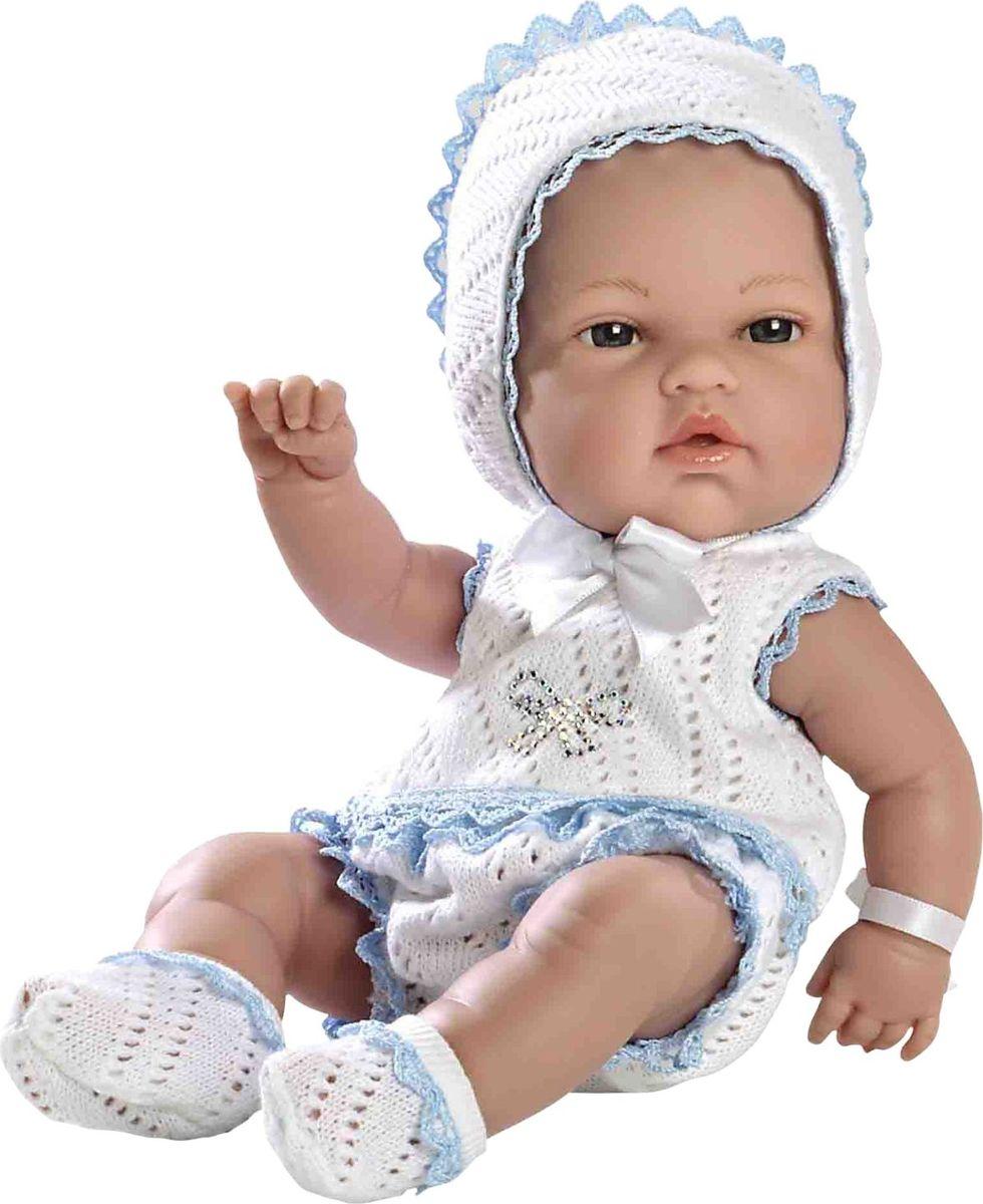 Arias Пупс цвет одежды белый голубой 33 см Т59283Т59283Изготовлено в Испании! Не так давно дизайнерам Arias удалось придать коллекции Elegance еще больше элегантности и шика, украсив наряды кукол знаменитыми стразами Swarowski! Представляем Вам эксклюзивную серию кукол Arias со стразами от Swarowski! Стразы прочно и аккуратно нанесены на наряды кукол с помощью технологии HOTFIX. В коллекции используются белые и цветные стразы, из которых выполнены различные тематические рисунки и аппликации. Куклы лимитированной коллекции со стразами Swarowski упакованы в подарочные коробки. На ручке у куклы есть ярлык со знаком качества и логотипом Swarowski, подтверждающим официальную лицензионную продукцию. Кукла размером 33см одета в белый комплект с отделкой розовым кружевом. Винил, использованный при производстве кукол, плотный и приятный на ощупь; он обработан так, что каждая складочка и морщинка выглядит очень естественно. Наряд создан из тех же материалов, что и одежда для новорожденных детей. У куклы ручки и ножки подвижны, глазки не...