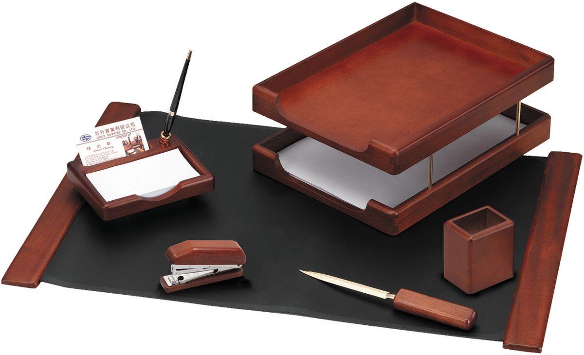 Delucci Канцелярский набор 6 предметов цвет темно-коричневый орехMBn_06103Настольный набор является идеальным подарком руководителю, он упакован в индивидуальную подарочную упаковку. В настольный набор входят: подкладка для письма, подставка для ручек, объединенная с подставкой для бумажных блоков и углублением для визитницы, степлер подставка для карандашей, нож для открывания писем, двухуровневый лоток для бумаг. Материал- натуральное дерево.