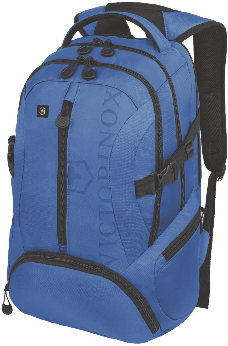 Рюкзак городской Victorinox VX Sport Scout, цвет: голубой, 20 л + ПОДАРОК: нож-брелок Escort31105109Коллекция VX Sport сочетает в себе культовый дизайн и прочную конструкцию.Основанные на многогранной функциональности,которая присуща оригинальному швейцарскому армейскому ножу,рюкзаки этой коллекции обеспечивают защиту современным технологическим устройствам и многофункциональную организацию вещей таким образом,что вы будете готовы к любой ситуации. VICTORINOX арт. 31105009 РЮКЗАК ДЛЯ НОУТБУКА ДИАГОНАЛЬЮ 16 / 41 СМ С КАРМАНОМ ДЛЯ ПЛАНШЕТА / ЭЛЕКТРОННОЙ КНИГИ 33x18x46 см 1 кг 20 л ХАРАКТЕРИСТИКИ И СВОЙСТВА • Мягкое отделение для ноутбука диагональю 16 (41см) с гладкой, устойчивой к механическим повреждениям подкладкой • Мягкий карман для портативного электронного устройства диагональю 10 (25 см) с гладкой, устойчивой к механическим повреждениям подкладкой • Внешняя организационная секция включает в себя карман на молнии по всей длине, карман для хранения электроники, карман для хранения периферийных устройств, сетчатый карман для документов, удостоверяющих личность, кармашек для...