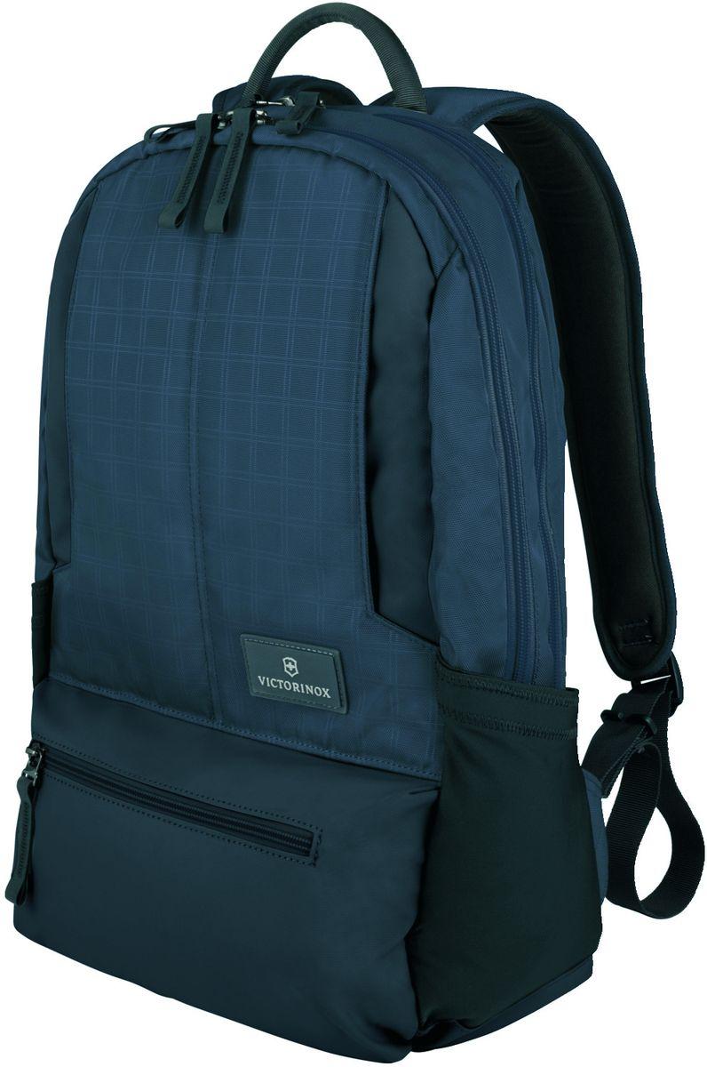 Рюкзак городской Victorinox Altmont 3.0 Laptop Backpack, цвет: синий, 25 л32388309Индивидуальность — это то,что отличает вас от любого другого человека,с которым вы сталкиваетесь на улице,в поезде,с которым вы общаетесь в городе.Каждый день вашей жизни — это уникальный опыт,котрый никогда больше не повторится.Коллекция Almont 3.0 создавалась с рачетом на индивидульность. VICTORINOX арт. 32388309 РЮКЗАК ДЛЯ НОУТБУКА 32x17x46 см 0,7 кг 25 л • Идеально приспособленный для ежедневных поездок на работу, этот прочный вместительный рюкзак прекрасно подойдёт для хранения ноутбука и других повседневных вещей • Внутренняя организационная секция включает в себя карман с откидной крышкой, петли для ручек, карман для небольших электронных устройств и карманы для хранения • На внешней части рюкзака расположены две застежки-молнии, обеспечивающие быстрый доступ для хранения мелких предметов, и многофункциональные растягивающиеся боковые карманы