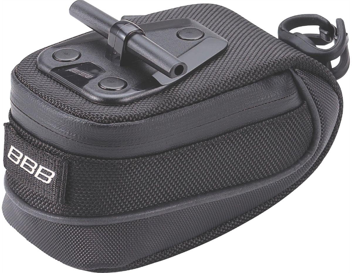 Велосумка под седло BBB StorePack, цвет: черный. Размер SBSB-12SСамая технологичная подседельная сумка в линейке - применяются лучшие материалы и новейшие технологии. Синяя подкладка для лучшей видимости содержимого. Водонепроницаемая молния с фиксатором для дополнительной безопасности и абсолютно бесшумная при езде. Крепление для заднего габарита-LED фонарика. Черная светоотражающая полоска для лучшей видимости. Т-образная система крепления для быстрой установки и снятия. Резиновый ремешок крепления к подседельному штырю для надёжной фиксации сумочки и во избежание повреждений лайкровых шорт и подседельного штыря. Размеры: S (370см3)