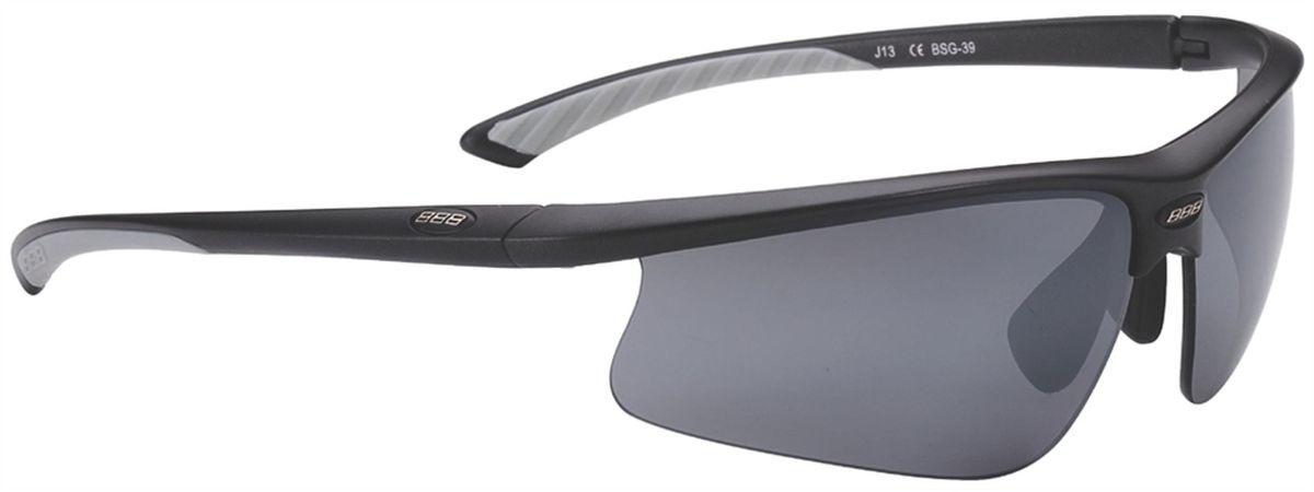 Очки солнцезащитные BBB Winner PC Smoke Flash Mirror Lens Gray Tips, цвет: черныйBSG-39Спортивные очки со сменными поликарбонатными линзами. Форма линз обеспечивает защиту от солнца, пыли и ветра. 100% защита от ультрафиолета. Высокотехнологичная оправа из материала Grilamid с настраиваемой резиновой переносицей. Мягкие кончики дужек для жёсткой посадки и комфорта одновременно. Мешочек для хранения в комплекте. В комплекте сменные линзы: жёлтая и прозрачная.