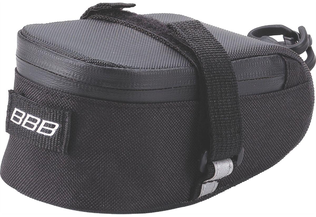 Велосумка под седло BBB EasyPack, цвет: черный. Размер SBSB-31SТехнологичная подседельная сумка в линейке - применяются лучшие материалы и новейшие технологии. Синяя подкладка для лучшей видимости содержимого. Водонепроницаемая молния с фиксатором для дополнительной безопасности и абсолютно бесшумная при езде. Крепление для заднего габарита-LED фонарика. Черная светоотражающая полоска для лучшей видимости. Двойная застежка на липучке для простой и быстрой установки/снятия. Резиновый ремешок крепления к подседельному штырю для надёжной фиксации сумочки и во избежание повреждений лайкровых шорт и подседельного штыря. S (370см3)