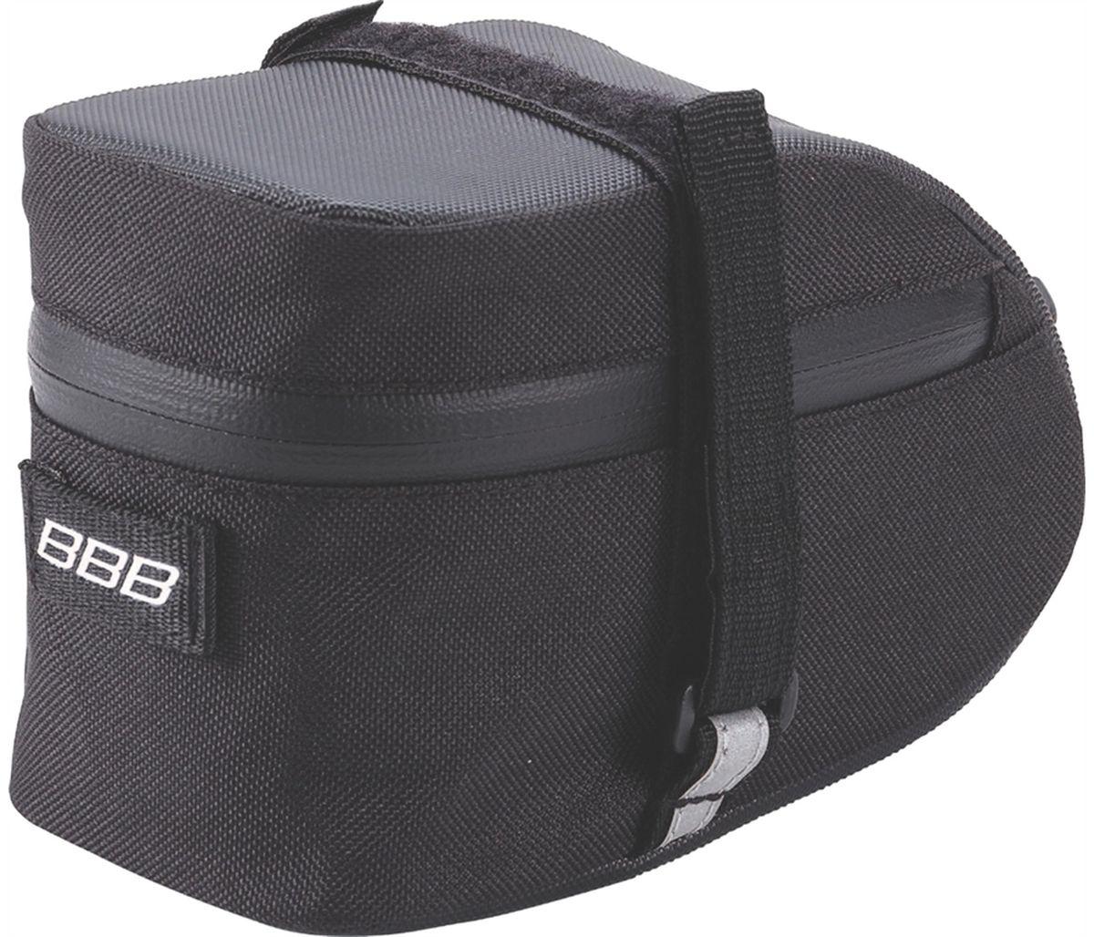 Велосумка под седло BBB EasyPack, цвет: черный. Размер MBSB-31MТехнологичная подседельная сумка в линейке - применяются лучшие материалы и новейшие технологии. Синяя подкладка для лучшей видимости содержимого. Эластичный ремешок и карман для простоты организации содержимого вашей сумочки . Водонепроницаемая молния с фиксатором для дополнительной безопасности и абсолютно бесшумная при езде. Крепление для заднего габарита-LED фонарика. Черная светоотражающая полоска для лучшей видимости. Двойная застежка на липучке для простой и быстрой установки/снятия. Резиновый ремешок крепления к подседельному штырю для надёжной фиксации сумочки и во избежание повреждений лайкровых шорт и подседельного штыря. M (640см3)