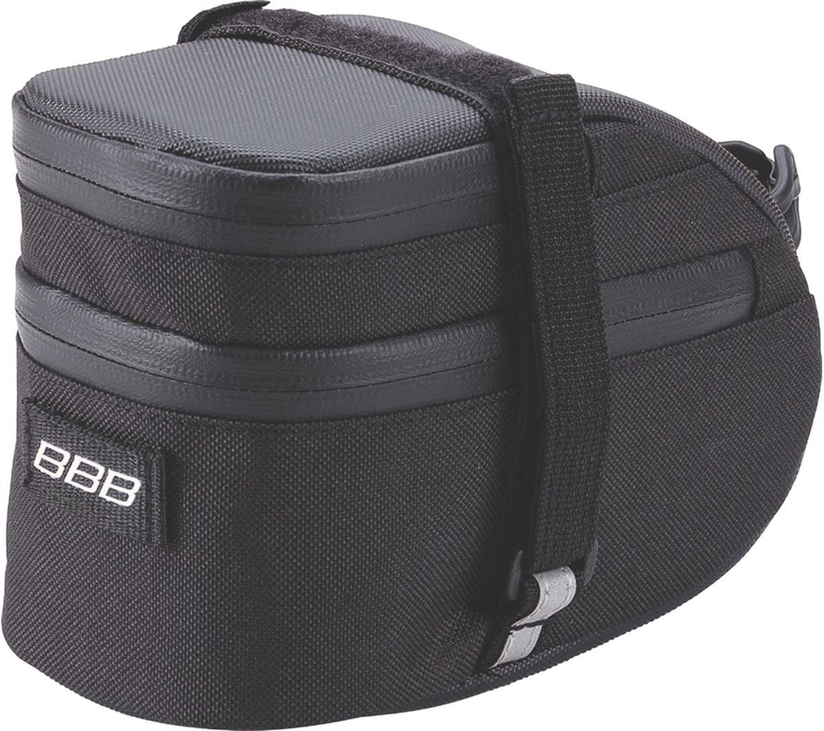 Велосумка под седло BBB EasyPack, цвет: черный. Размер LBSB-31LТехнологичная подседельная сумка в линейке - применяются лучшие материалы и новейшие технологии. Синяя подкладка для лучшей видимости содержимого. Эластичный ремешок и карман для простоты организации содержимого вашей сумочки . Водонепроницаемая молния с фиксатором для дополнительной безопасности и абсолютно бесшумная при езде. Крепление для заднего габарита-LED фонарика. Черная светоотражающая полоска для лучшей видимости. Двойная застежка на липучке для простой и быстрой установки/снятия. Резиновый ремешок крепления к подседельному штырю для надёжной фиксации сумочки и во избежание повреждений лайкровых шорт и подседельного штыря. Большая сумка(L) разделена на два отсека. Верхний отсек отлично подходит для хранения кошелька, ключей, или документов. L (750см3)
