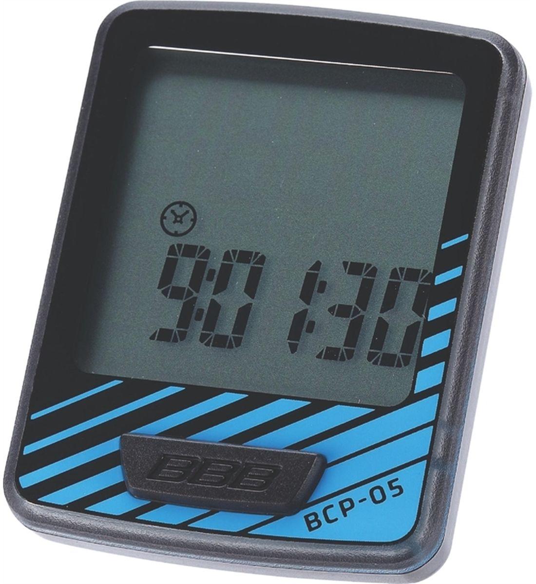 Велокомпьютер BBB DashBoard, 7 функций, цвет: черный, синийBCP-05Велокомпьютер DashBoard стал, в своем роде, образцом для подражания. Появившись в линейке в 2006 году как простой и небольшой велокомпьютер с большим и легкочитаемым экраном, он эволюционировал в любимый прибор велосипедистов, которым нужна простая в использовании вещь без тысячи лишних функций. Когда пришло время обновить DashBoard, мы поставили во главу угла именно простоту дизайна и использования, в то же время, выведя оба этих параметра на новый уровень. Общий размер велокомпьютера уменьшился за счет верхней части корпуса. Но сам размер экрана остался без изменений - 32 на 32мм, позволяющие легко считывать информацию. Управление одной кнопкой также было сохранено в новой версии. Упрощение конструкции осзначает также меньшее количество швов и лучшую влагозащиту. Так что, DashBoard стал лучше, но остался тем же самым верным другом и помочником, что и был. Проводной компьютер с 7 функциями: Текущая скорость Расстояние поездки Одометр ...