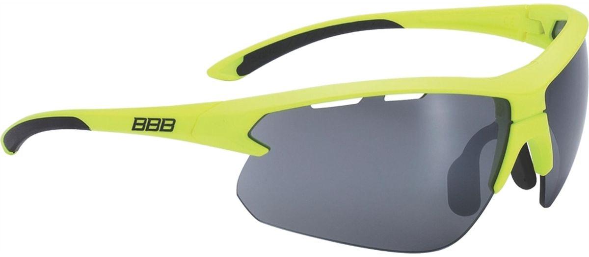 Очки солнцезащитные BBB Impulse Black Temple Tips PC Smoke Flash Mirror Lenses, цвет: желтыйBSG-52Спортивные очки со специальной конструкцией, позволяющей менять линзы в один щелчок. Сменные поликарбонатные линзы с продуманной системой вентиляции. Мягкие наконечники дужек для надёжной и комфортной посадки. Форма линз обеспечивает защиту от солнца, пыли и ветра. 100% защита от ультрафиолета. Высокотехнологичная оправа из материала Grilamid с регулируемой переносицей. Мешочек для хранения в комплекте. В комплекте сменные линзы: прозрачные и желтые.