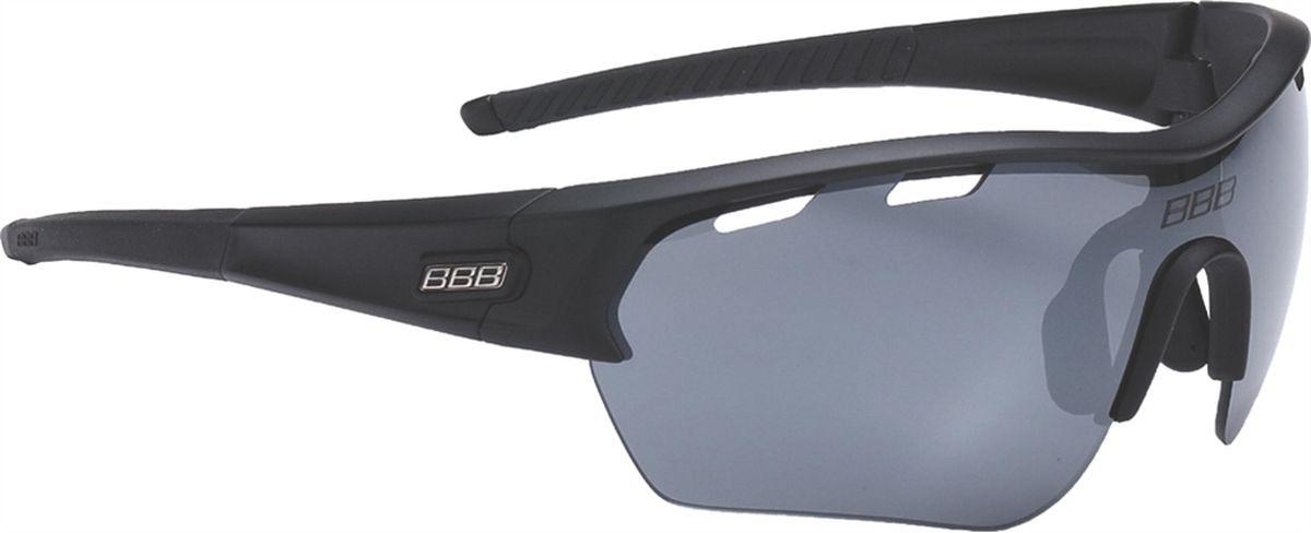 Очки солнцезащитные BBB Select XL PC Smoke Flash Mirror XL Lens Black Tips, цвет: черныйBSG-55XLОчки с линзами увеличенного размера. Все линзы снабжены специальной системой вентиляции. С внутренней стороны на них нанесено специальное покрытие, предотвращающее запотевание. Всё это способствует отличной работе в условиях высокой влажности и под дождём. На линзу нанесено гидрофобное покрытие. В дождь вода быстро стекает по линзе во время движения. Отдельно доступны разнообразные варианты цветовых схем линз и наконечников дужек. Округлая форма линз обеспечивает оптимальную защиту от солнца, пыли и ветра. 100% защита от ультрафиолета. Высокотехнологичная оправа из материала Grilamid с настраиваемой переносицей. Футляр в комплекте. В комплекте сменные линзы: прозрачные и желтые.