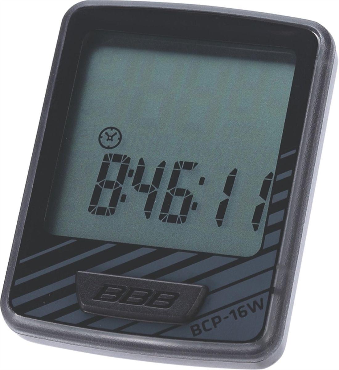 Велокомпьютер BBB DashBoard , 12 функций, цвет: черный, серыйBCP-16WВелокомпьютер DashBoard стал, в своем роде, образцом для подражания. Появившись в линейке в 2006 году как простой и небольшой велокомпьютер с большим и легкочитаемым экраном, он эволюционировал в любимый прибор велосипедистов, которым нужна простая в использовании вещь без тысячи лишних функций. Когда пришло время обновить DashBoard, мы поставили во главу угла именно простоту дизайна и использования, в то же время, выведя оба этих параметра на новый уровень. Общий размер велокомпьютера уменьшился за счет верхней части корпуса. Но сам размер экрана остался без изменений - 32 на 32мм, позволяющие легко считывать информацию. Управление одной кнопкой также было сохранено в новой версии. Упрощение конструкции осзначает также меньшее количество швов и лучшую влагозащиту. Так что, DashBoard стал лучше, но остался тем же самым верным другом и помочником, что и был. Беспроводной компьютер с 12 функциями: Текущая скорость Расстояние поездки Одометр ...