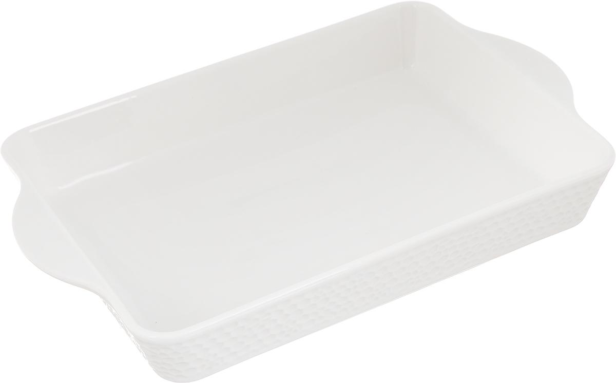 Блюдо для запекания Claude Monet, прямоугольное, 25,5 х 17 см596-044Блюдо для запекания Claude Monet, изготовленное из высококачественного фарфора, идеально подойдет для приготовления блюд в духовке, а также сервировки стола. Блюдо станет отличным дополнением к вашему кухонному инвентарю и подчеркнет прекрасный вкус. Допускается использовать в духовом шкафу, холодильнике и микроволновой печи. Размер по верхнему краю (с учетом ручек): 25,5 х 17 см. Высота стенки: 4,5 см.