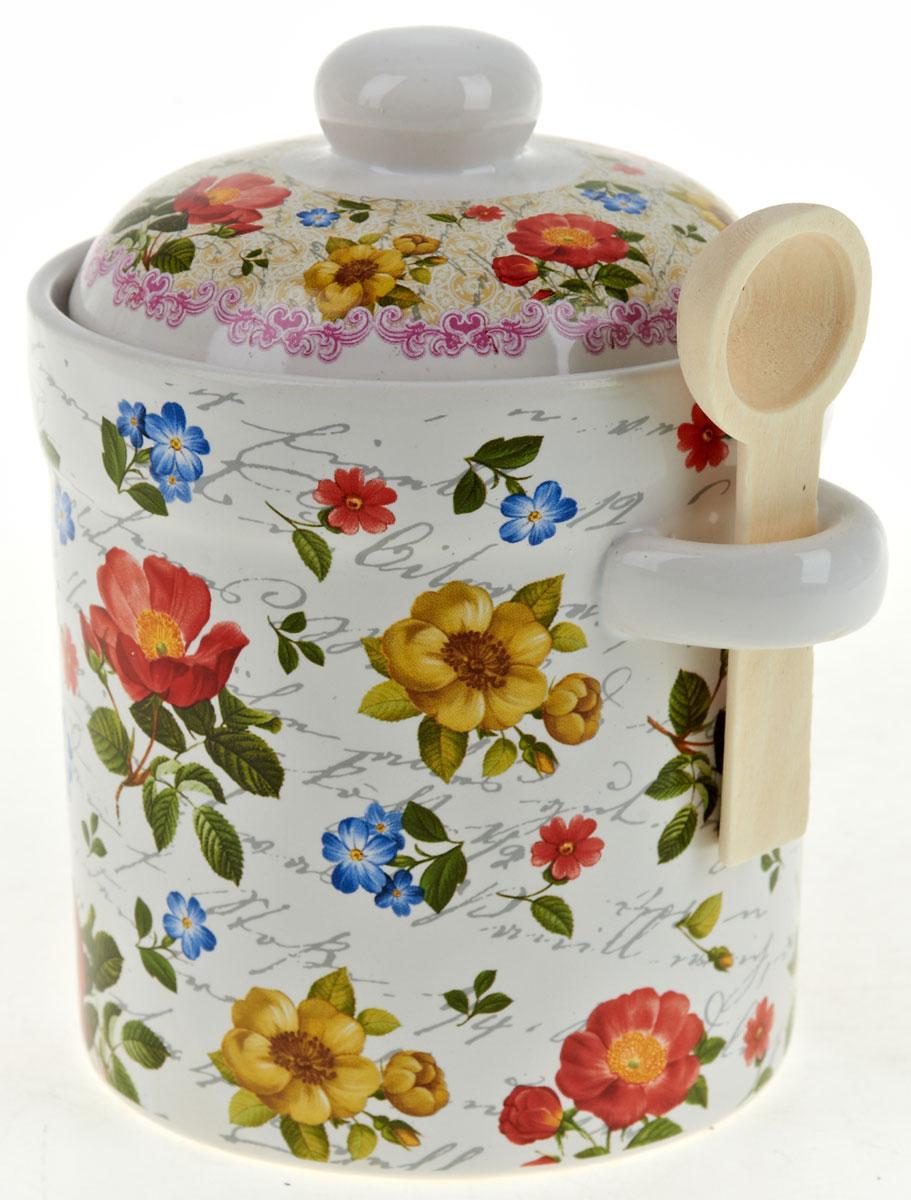 Банка для сыпучих продуктов Nouvelle De France Цветочная поэма, с ложкой, 550 мл0660111Баночка для специй 550 мл, с крышкой и деревянной ложечкой. Изготовлена из керамики. Будет уместна в любом интерьере. Изделие упаковано в подарочную коробку.