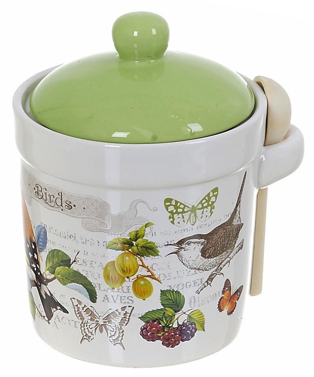 Банка для сыпучих продуктов Polystar Birds, с ложкой, 400 млL2430764Банка для сыпучих продуктов Birds. Изделие выполнено из прочной доломитовой керамики высокого качества. Гладкая и ровная глазурованная поверхность обеспечивает легкую очистку. Изделия декорированы красочным рисунком. Банка прекрасно подойдет для хранения различных сыпучих продуктов: специй, чая, кофе, сахара, круп и многого другого. Крышка плотно прилегает к стенкам емкости. Можно использовать в холодильнике и посудомоечной машине.