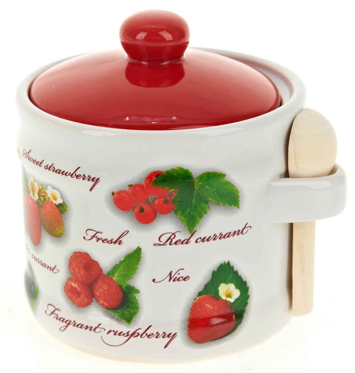 Банка для сыпучих продуктов Polystar Садовая ягода, с ложкойL2520269Банка для сыпучих продуктов изготовлена из прочной доломитовой керамики, с деревянной ложечкой. Изделие оформлено красочным изображением. Банка прекрасно подойдет для хранения различных сыпучих продуктов: чая, кофе, сахара, круп и многого другого. Изящная емкость не только поможет хранить разнообразные сыпучие продукты, но и стильно дополнит интерьер кухни. Изделие подходит для использования в посудомоечной машине.