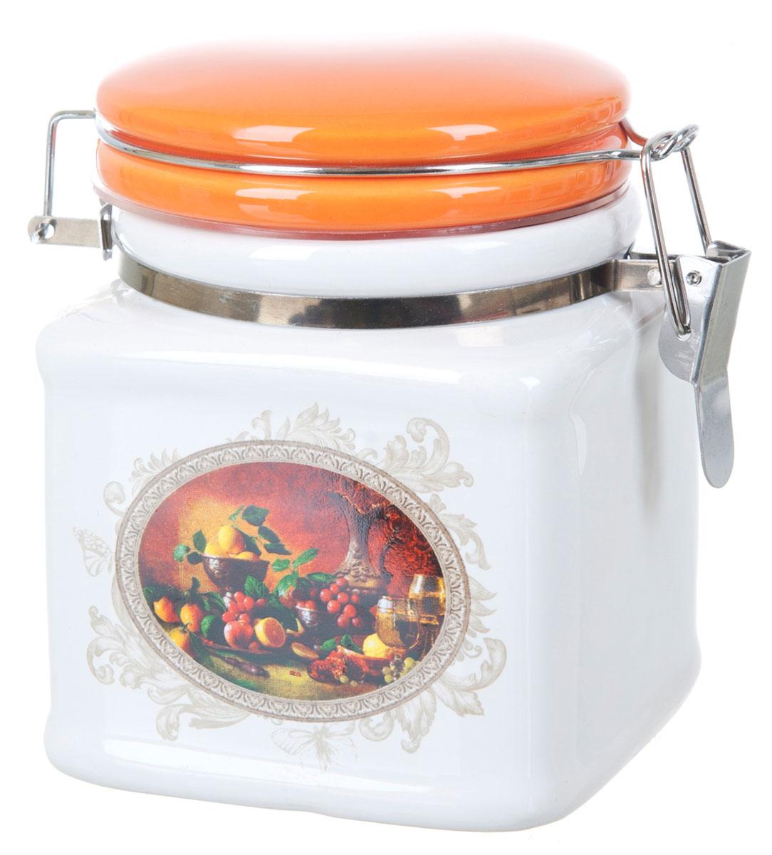 Банка для сыпучих продуктов Polystar Севилья, 500 млL2520572Банка для сыпучих продуктов изготовлена из прочной доломитовой керамики, покрытой слоем сверкающей гладкой глазури. Изделие оформлено красочным изображением. Банка прекрасно подойдет для хранения различных сыпучих продуктов: чая, кофе, сахара, круп и многого другого. Благодаря силиконовой прослойке и бугельному замку, крышка герметично закрывается, что позволяет дольше сохранять продукты свежими. Изящная емкость не только поможет хранить разнообразные сыпучие продукты, но и стильно дополнит интерьер кухни. Изделие подходит для использования в посудомоечной машине и в холодильнике.