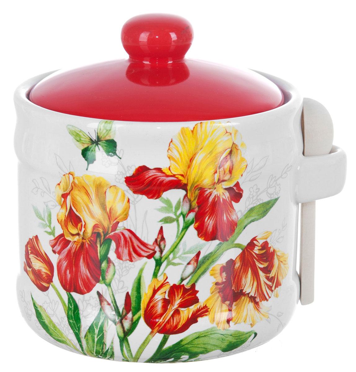 Банка для сыпучих продуктов Polystar Касатик, с ложкой, 400 млL2520657Банка для сыпучих продуктов изготовлена из прочной доломитовой керамики, с деревянной ложечкой. Изделие оформлено красочным изображением. Банка прекрасно подойдет для хранения различных сыпучих продуктов: чая, кофе, сахара, круп и многого другого. Изящная емкость не только поможет хранить разнообразные сыпучие продукты, но и стильно дополнит интерьер кухни. Изделие подходит для использования в посудомоечной машине.