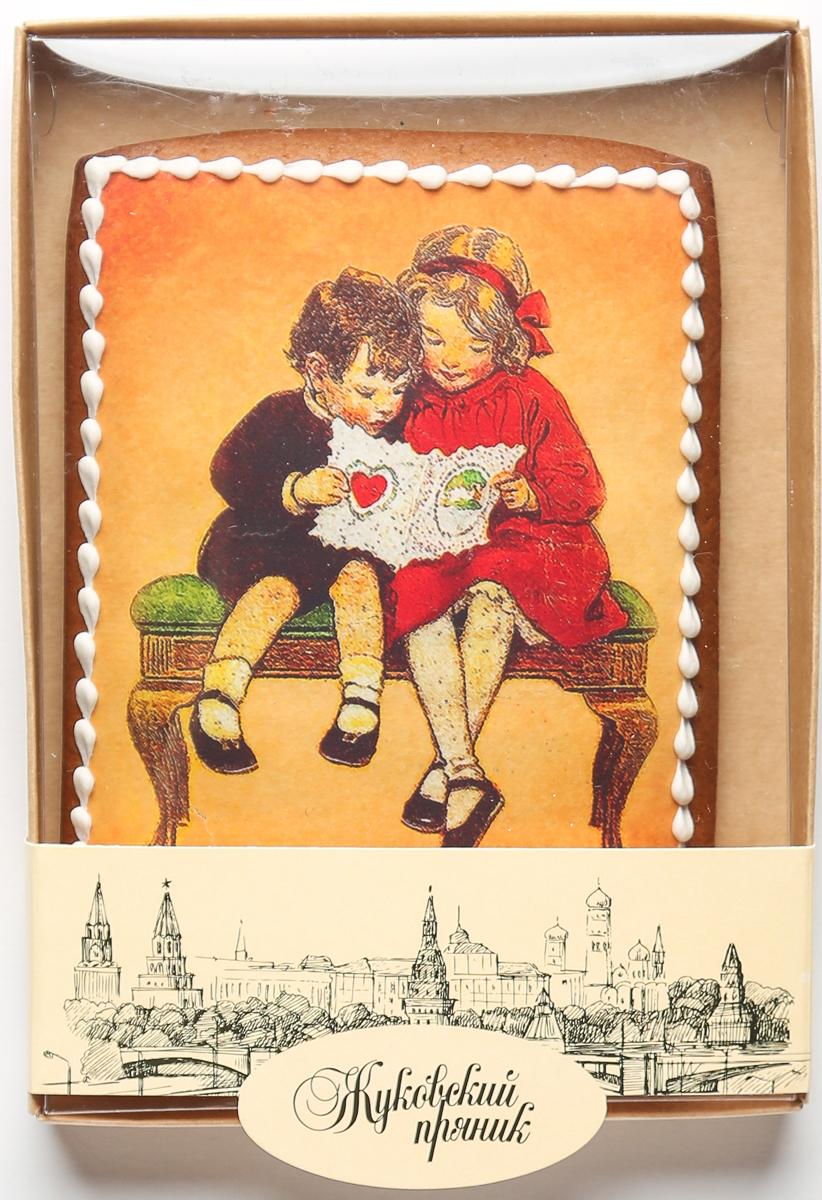 Жуковский пряник Подарочный набор Первая любовь00-00002417Медово-имбирный пряник с росписью из айсинга, фотопечатью на сахарной бумаге. Отличный подарок для любимых. Без ГМО.