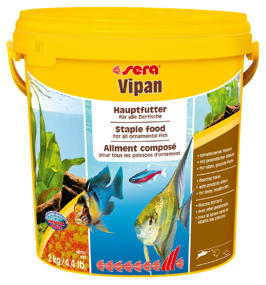 Корм для рыб Sera Vipan, крупные хлопья, 10 л (2 кг)0191Корм для рыб Sera Vipan - хорошо сбалансированный основной корм в виде крупных хлопьев, содержащий более 40 ингредиентов. Идеально подходит для ежедневного кормления всех декоративных рыб в общих аквариумах. Сбалансированный состав удовлетворяет потребности множества видов. Бережная обработка гарантирует сохранение ценных ингредиентов (например, жирных кислот Омега, витаминов и минералов). Белки и другие питательные вещества делают этот корм высокопитательным и легко перевариваемым рыбами. Формула Vital-Immun-Protect гарантирует вашим рыбам прекрасное здоровье, укрепление иммунитета и обилие жизненных сил. Специальный метод приготовления позволяет хлопьям сохранять свою форму в течение длительного времени, не загрязняя воду. Хлопья в то же время очень нежны и поэтому охотно поедаются рыбой. Ингредиенты: рыбная мука, пшеничная мука, пивные дрожжи, казеинат кальция, гаммарус, яичный порошок, рыбий жир, маннанолигосахарид (MOS 0,4%), спирулина, травы, люцерна, крапива,...