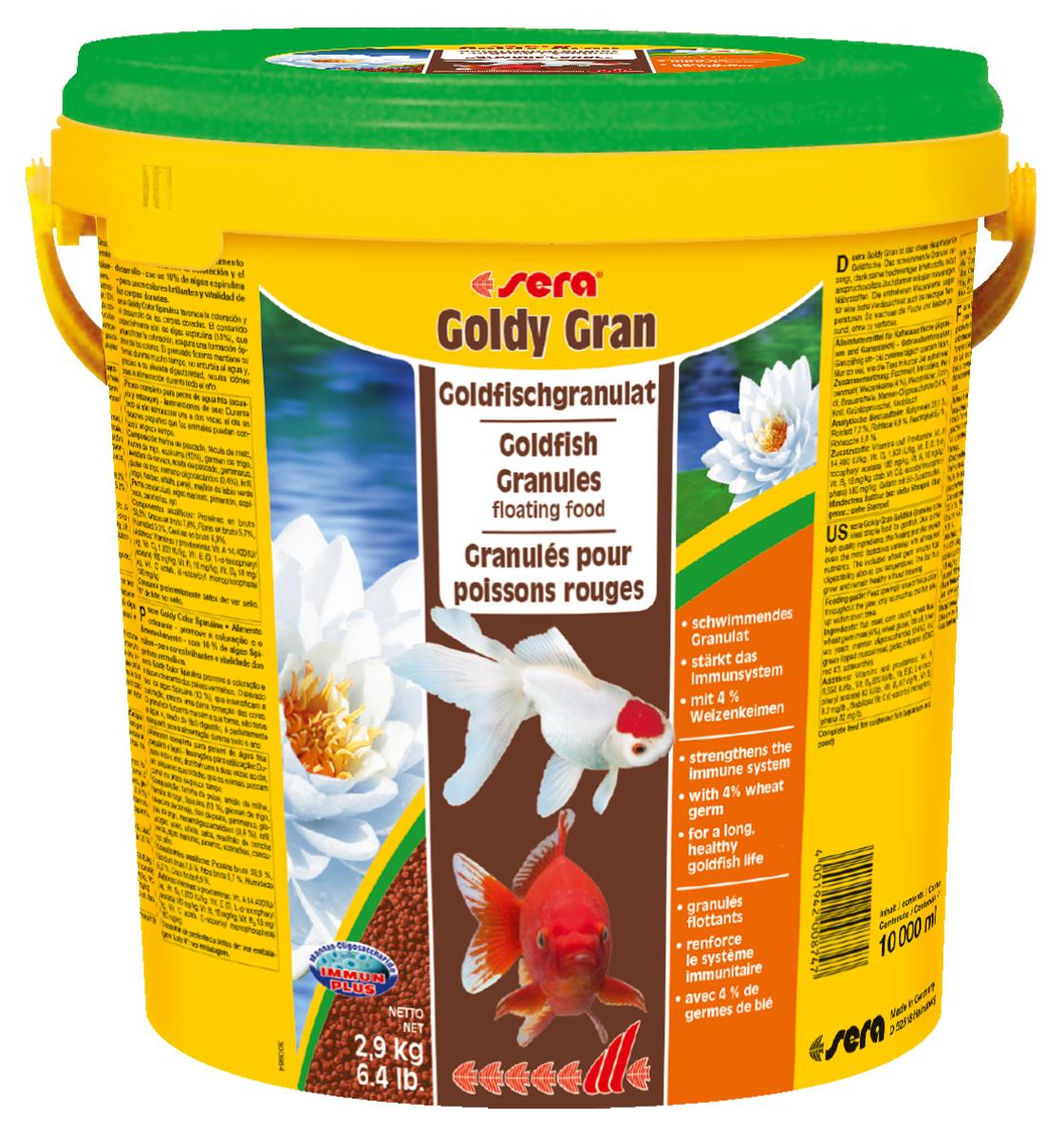 Корм для рыб Sera Goldy Gran, 10 л (2,9 кг)0874Комплексный корм для холодноводных рыб (аквариумных и прудовых) - идеальный основной корм для золотых рыбок. Плавающие гранулы корма, благодаря их высококачественным ингредиентам, обеспечивают всеми необходимыми питательными веществами даже самые привередливые виды рыб. Входящие в состав корма зародыши пшеницы гарантируют высокую усваиваемость корма, в том числе при низких температурах. Рыбы, таким образом, растут и остаются здоровыми без перекармливания. Инструкция по применению: Кормите небольшими порциями один-два раза в день, в течение всего года. Дозируйте такое количество корма, которое рыбы могут съесть в течение короткого периода времени. Ингредиенты: рыбная мука, кукурузный крахмал, пшеничная мука, пшеничные зародыши (4%), пшеничная клейковина, рыбий жир, пивные дрожжи, маннанолигосахариды (0,4%), криль, зеленые мидии, чеснок. Аналитический состав: Протеин 33,0%, Жиры 7,2%, Клетчатка 4,8%, Влажность 5,4%, Зольные вещества 5,8%. Содержание добавок: Витамины и провитамины: Вит....