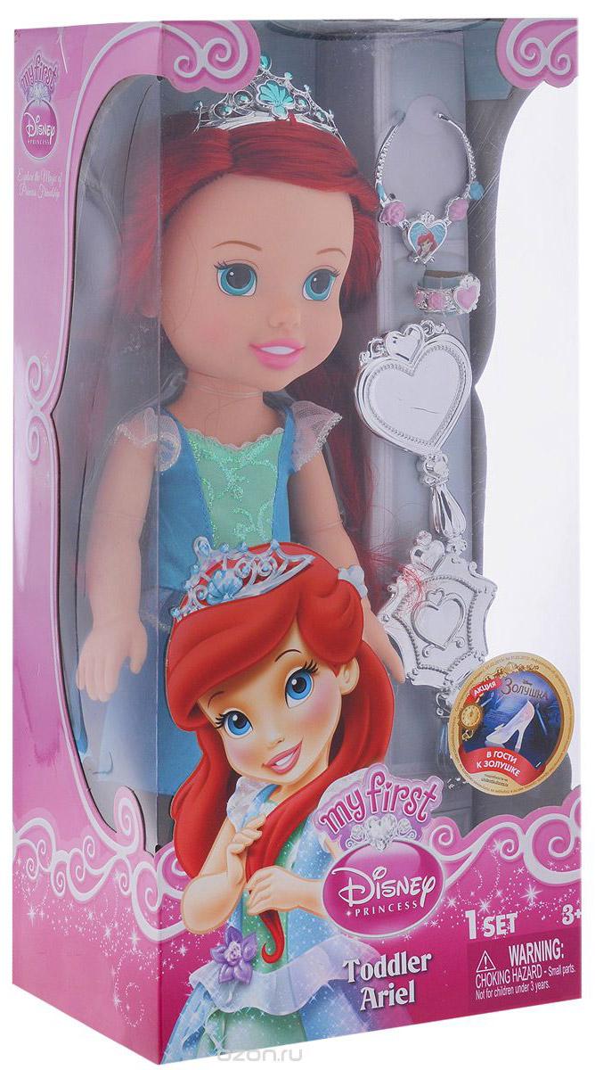 Disney Princess Кукла Малышка Ариэль791820Кукла Disney Princess Малышка Ариэль - прекрасная принцесса, которая обязательно понравится вашей дочурке. Туловище куклы выполнено из высококачественного пластика; голова, ручки и ножки подвижны. Принцесса одета в красивое платье, на ножках туфельки. Кукла имеет большие очень выразительные глазки и длинные мягкие волосы, которые можно заплетать в различные прически. На голове королевская тиара. В комплекте аксессуары для принцессы - зеркальце, расческа, браслет и ожерелье. Такая куколка очарует вас и вашу дочурку с первого взгляда! Ваша малышка с удовольствием будет играть с принцессой, проигрывая сюжеты из мультфильма или придумывая различные истории. Порадуйте свою дочурку таким замечательным подарком!