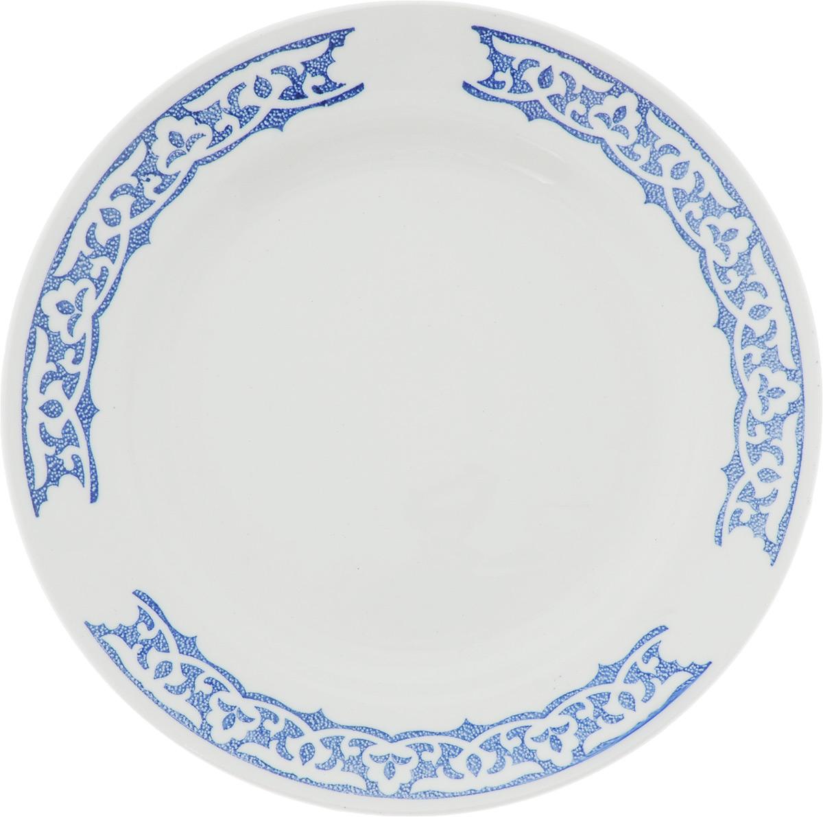 Тарелка Кубаньфарфор Восточный, диаметр 20 см056_ВосточныйКруглая тарелка Кубаньфарфор Восточный, изготовленная из фаянса, декорирована по внутреннему краю оригинальным орнаментом. Такая тарелка украсит сервировку вашего стола и подчеркнет прекрасный вкус хозяина, а также станет отличным подарком.