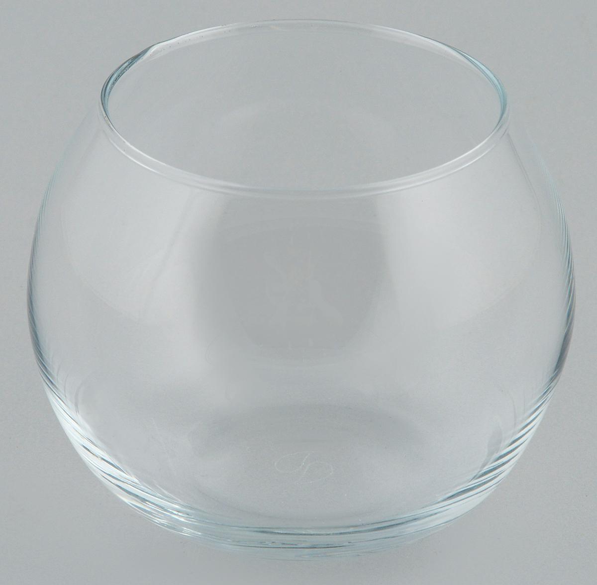 Ваза Pasabahce Flora, высота 7,9 см43407BДекоративная ваза Pasabahce Flora выполнена из высококачественного прозрачного стекла. Изделие придется по вкусу и ценителям классики, и тем, кто предпочитает утонченность и изящность. Вы можете поставить вазу в любом месте, где она будет удачно смотреться и радовать глаз. Такая ваза подойдет для декора интерьера. Кроме того - это отличный вариант подарка для ваших близких и друзей. Высота вазы: 7,9 см.