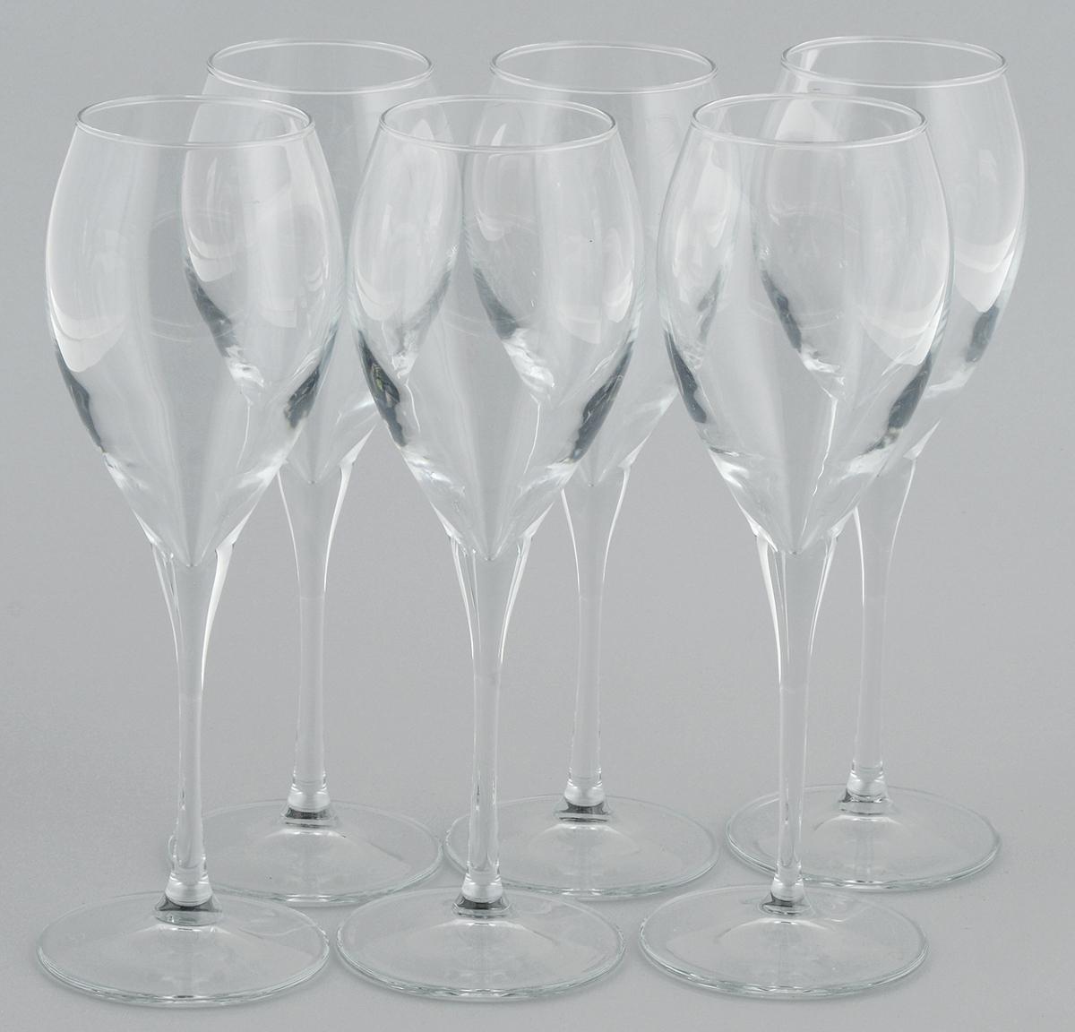 Набор бокалов для вина Pasabahce Monte Carlo, 325 мл, 6 шт440091BНабор Pasabahce Monte Carlo состоит из шести бокалов, выполненных из прочного натрий-кальций-силикатного стекла. Изделия оснащены высокими ножками и предназначены для подачи вина. Они сочетают в себе элегантный дизайн и функциональность. Набор бокалов Pasabahce Monte Carlo прекрасно оформит праздничный стол и создаст приятную атмосферу за романтическим ужином. Такой набор также станет хорошим подарком к любому случаю.