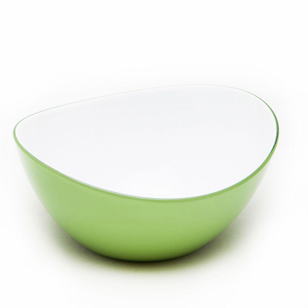 Миска MoulinVilla, цвет: зеленый, длина 16 смL-16GМиска компании Moulinvilla изготовлена из высококачественного акрила. Благодаря оригинальному и привлекательному дизайну выполняет не только практичную, но и декоративную функцию. Белый цвет внутренней поверхности и сочный, интенсивный цвет снаружи отлично контрастируют. В ней можно сервировать салаты, фрукты, закуски, десерты, печенье, сладости и т.д. Состав: Акрил. Можно мыть в посудомоечной машине.