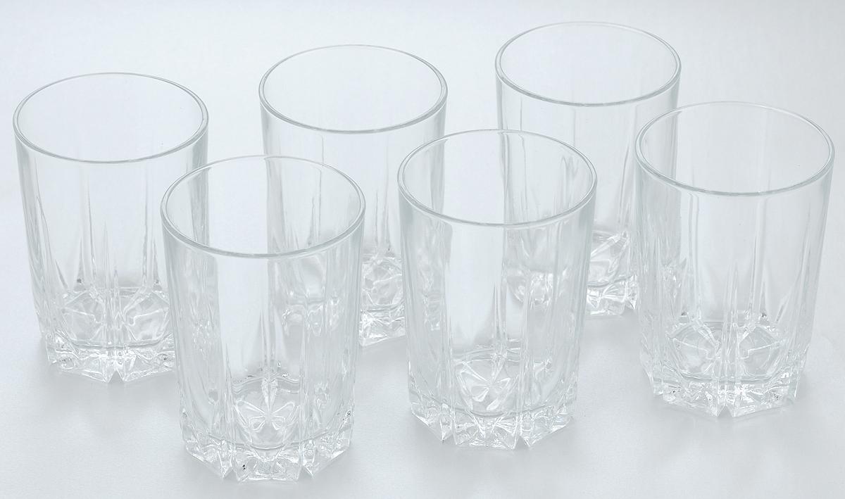 Набор стаканов Pasabahce Karat, 250 мл, 6 шт52882BНабор Pasabahce состоит из шести стаканов, выполненных из натрий-кальций-силикатного стекла. Изделия предназначены для подачи сока, воды, компота и других напитков. Такие стаканы станут идеальным украшением праздничного стола и отличным подарком к любому празднику. Высота стакана: 11 см.