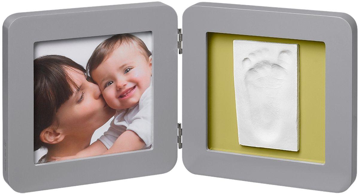 Baby Art Рамка для оттисков Модерн двойная с 4 подложками34120137Рамочка с отпечатком от компании Baby Art - это особый подход к созданию очаровательного подарка на память для этого особого периода жизни, с фотографией и обоими отпечатками ручки и ножки вашего ребенка. - Быстро и легко сделать отпечаток: не надо запекать, нет необходимости в дополнительных материалах, все уже включено в набор! - Можно делать несколько проб до сушки. - Очень быстро: создание идеального слепка всего за 2 минуты (не включая процесс сушки).