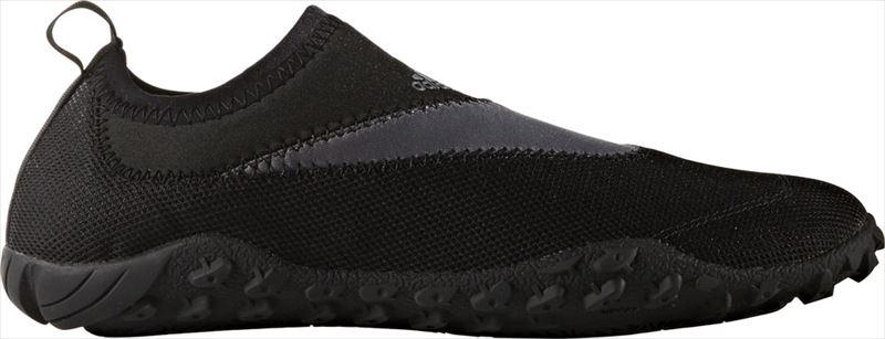 Обувь для кораллов adidas Climacool Kurobe, цвет: черный. BB1911. Размер 13 (47)BB1911Акваобувь adidas Performance выполнена из быстросохнущей дышащей нейлоновой сетки с технологией ClimaCool - для наилучшей вентиляции. Уникальная подошва из ЭВА со вставками ClimaCool - для максимальной вентиляции и дренажа. Подметка из прочной резиновой смеси.