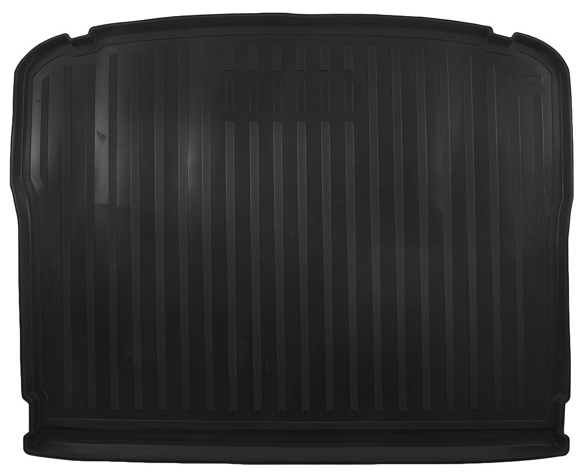 Коврик автомобильный Rival, для Volkswagen Tiguan 2011-, в багажник, 1 шт0015805003Автомобильный коврик в багажник Rival позволяет надежно защитить и сохранить от грязи багажный отсек на протяжении всего срока эксплуатации. Коврик полностью повторяет геометрию багажника вашего автомобиля. - Высокий борт специальной конструкции препятствует попаданию разлившейся жидкости и грязи на внутреннюю отделку. - Коврик произведен из первичных материалов, в результате чего отсутствует неприятный запах в салоне автомобиля. - Рисунок обеспечивает противоскользящую поверхность, благодаря которой перевозимые предметы не перекатываются в багажном отделении, а остаются на своих местах. - Высокая эластичность материала позволяет беспрепятственно эксплуатировать коврик при температуре от -45°C до +45°C. - Коврик изготовлен из высококачественного и экологичного материала, не подверженного воздействию кислот, щелочей и нефтепродуктов.