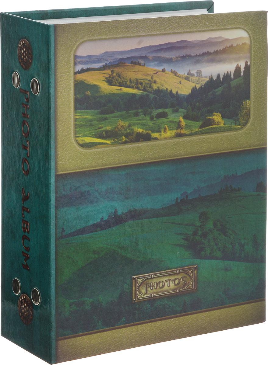 Фотоальбом Pioneer Landscape, 100 фотографий, 10 х 15 см46365 PP-46100_зеленыйФотоальбом Pioneer Landscape поможет красиво оформить ваши самые интересные фотографии. Обложка, выполненная из толстого картона, оформлена ярким изображением. Внутри содержится блок из 50 белых листов с фиксаторами-окошками из полипропилена. Альбом рассчитан на 100 фотографий формата 10 х 15 см (по 1 фотографии на странице). Переплет - книжный. Нам всегда так приятно вспоминать о самых счастливых моментах жизни, запечатленных на фотографиях. Поэтому фотоальбом является универсальным подарком к любому празднику. Количество листов: 50.