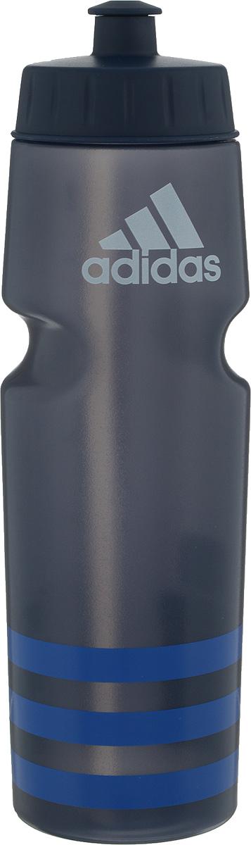 Бутылка для воды Adidas Perf Bottl, цвет: серый, синий, 750 млBK4040Стильная бутылка для воды Adidas Perf Bottl, изготовленная из 100% литого полиэтилена, оснащена крышкой, которая плотно и герметично закрывается. Широкое отверстие позволяет удобно наливать жидкость и добавлять лед. Бутылка оснащена просто открывающимся и, в то же время, надежным защитным клапаном. Употребление достаточного количества жидкости - важная часть спортивного режима. Благодаря эргономичной форме эту бутылку удобно носить в руках. Компактный дизайн. Подходит к большинству велосипедных холдеров.