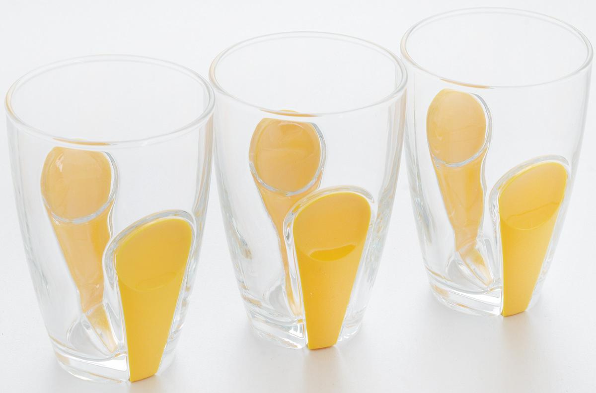 Набор стаканов Pasabahce Snap, с держателем, цвет: желтый, прозрачный, 260 мл, 3 шт41632B/YНабор Pasabahce Snap, выполненный из высококачественного стекла, состоит из трех стаканов. Стаканы оформлены держателями из цветного пищевого пластика. Набор прекрасно подойдет для подачи соков, воды, холодного чая и других напитков. Чистые цвета, плавные линии и совершенные формы предметов вызывают восхищение, а элегантный дизайн предметов набора привлечет к себе внимание и украсит интерьер. Стаканы идеально подойдут для сервировки стола и станут отличным подарком к любому празднику. Стаканы подходят для использования в холодильнике, морозильной камере, микроволновой печи до +70°С. Так же можно мыть в посудомоечной машине. Диаметр стакана по верхнему краю: 7 см. Высота стакана: 11 см.
