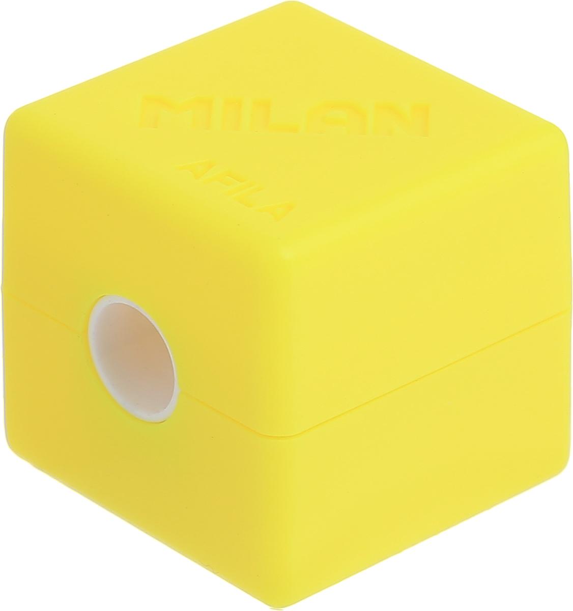 Milan Точилка Cubic с контейнером цвет желтый20154216_желтыйКомпактная точилка Milan Cubic с контейнером оснащена безопасной системой заточки. Эта система предотвращает отделение лезвия от точилки. Идеально подходит для использования в школах. Стальное лезвие острое и устойчиво к повреждению. Идеально подходит для заточки графитовых и цветных карандашей