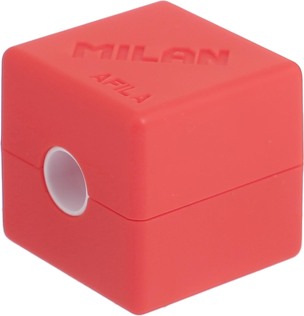 Milan Точилка Cubic с контейнером цвет оранжевый20154216_оранжевыйКомпактная точилка Milan Cubic с контейнером оснащена безопасной системой заточки. Эта система предотвращает отделение лезвия от точилки. Идеально подходит для использования в школах. Стальное лезвие острое и устойчиво к повреждению. Идеально подходит для заточки графитовых и цветных карандашей