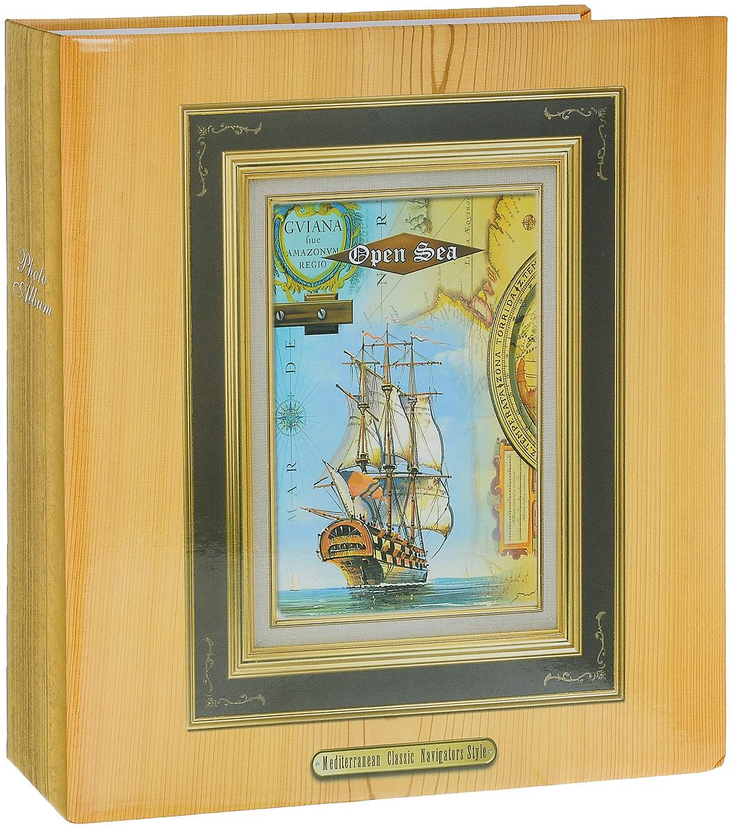 Фотоальбом Big Dog Open Sea, 500 фотографий, 10 х 15 см12838 AV46500 3-OФотоальбом Big Dog Open Sea поможет красиво оформить ваши фотографии. Обложка выполнена из толстого картона. Внутри содержится блок из 50 белых листов с фиксаторами-окошками из ПВХ. Альбом рассчитан на 500 фотографий формата 10 х 15 см (по 5 фотографий на странице). Листы размещены на металлических кольцах. Нам всегда так приятно вспоминать о самых счастливых моментах жизни, запечатленных на фотографиях. Поэтому фотоальбом является универсальным подарком к любому празднику. Количество листов: 50.