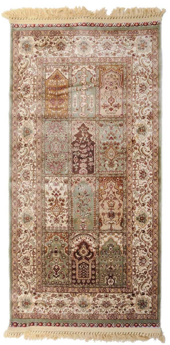Ковер Mutas Carpet Силк, 80 х 150 см. 203420130212180125203420130212180125Ковер Mutas Carpet, изготовленный из высококачественного материала, прекрасно подойдет для любого интерьера. За счет прочного ворса ковер легко чистить. При надлежащем уходе синтетический ковер прослужит долго, не утратив ни яркости узора, ни блеска ворса, ни упругости. Самый простой способ избавить изделие от грязи - пропылесосить его с обеих сторон (лицевой и изнаночной). Влажная уборка с применением шампуней и моющих средств не противопоказана. Хранить рекомендуется в свернутом рулоном виде.