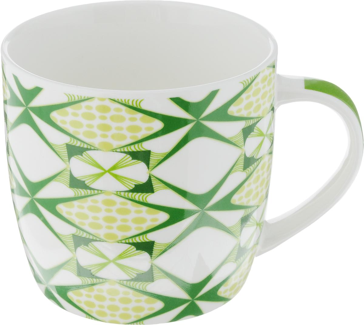 Кружка Loraine, цвет: белый, зеленый, салатовый, 320 мл. 2447324473Кружка Loraine изготовлена из прочного качественного костяного фарфора. Изделие оформлено красочным рисунком. Благодаря своим термостатическим свойствам, изделие отлично сохраняет температуру содержимого - морозной зимой кружка будет согревать вас горячим чаем, а знойным летом, напротив, радовать прохладными напитками. Такой аксессуар создаст атмосферу тепла и уюта, настроит на позитивный лад и подарит хорошее настроение с самого утра. Это оригинальное изделие идеально подойдет в подарок близкому человеку. Диаметр (по верхнему краю): 8,5 см. Высота кружки: 8,2 см. Объем: 320 мл.