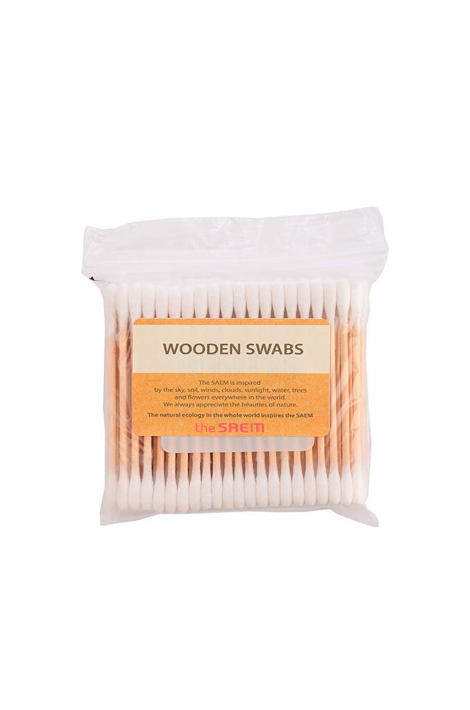 The Saem Ватные палочки Wooden Swab, 300 штукСМ715Косметические палочки, изготовленные из 100% натурального хлопка и древесины. Незаменимое средство для макияжа и демакияжа, а также гигиены наружного уха. Обладают хорошей прочностью, плотно скручены, благодаря чему вата не сползает и не пушится. При этом в меру мягкие, что позволяет прекрасно впитывать влагу и очищать от загрязнений, доставляя комфорт при использовании. Герметичная упаковка с зип-замком надежно защищает 300 палочек от пыли и влаги.