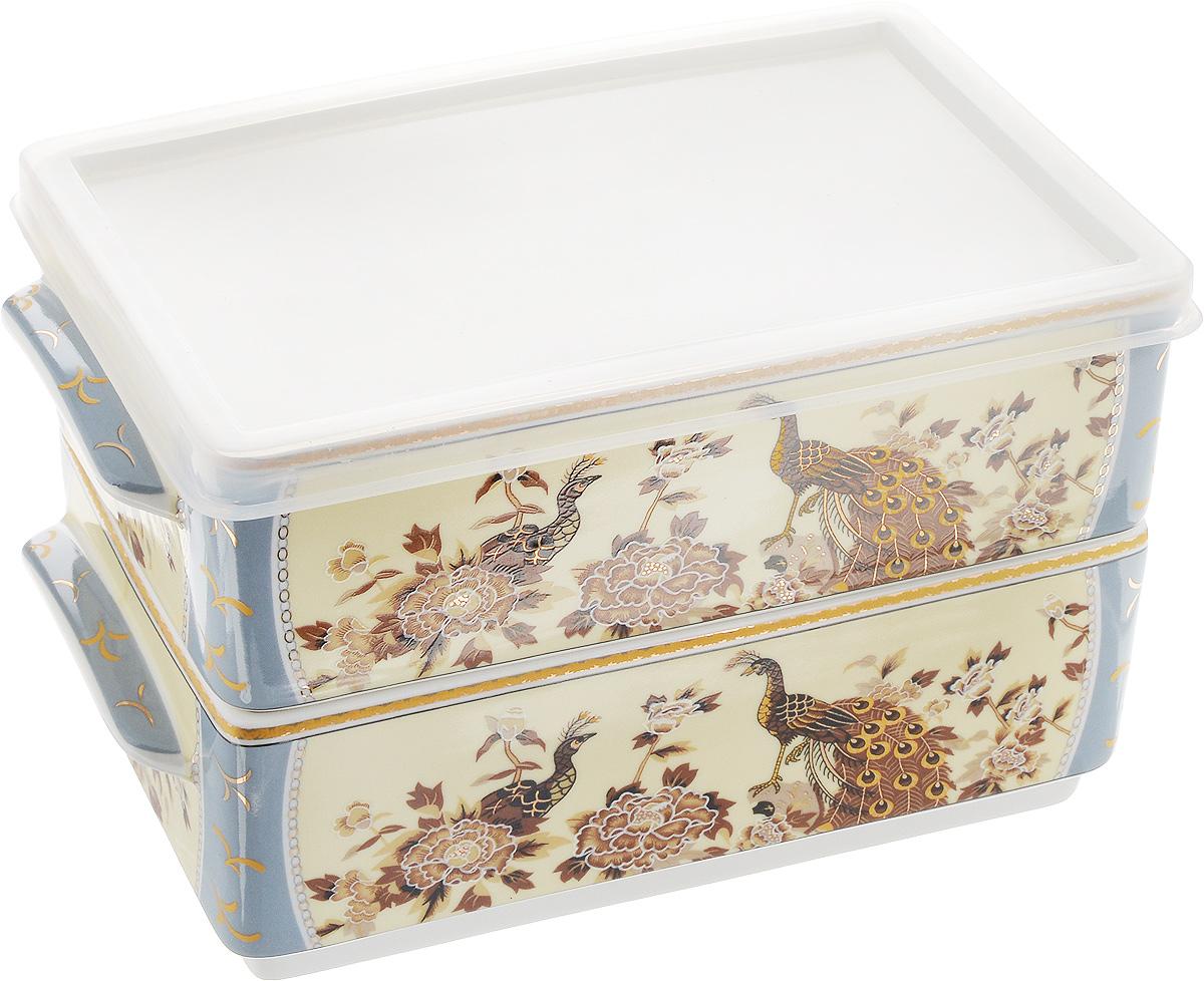 Набор блюд для холодца Elan Gallery Павлин на бежевом, 800 мл, 2 шт503538Блюда для холодца Elan Gallery Павлин на бежевом, изготовленные из высококачественной керамики, предназначены для приготовления и хранения заливного или холодца. Пластиковая крышка, входящая в комплект, сохранит свежесть вашего блюда. Также блюда можно использовать для приготовления и хранения салатов. Изделия оформлены оригинальным рисунком. Такие блюда украсят сервировку вашего стола и подчеркнут прекрасный вкус хозяйки. Не рекомендуется применять абразивные моющие средства. Не использовать в микроволновой печи. Размер блюд (без учета ручек и крышки): 17,5 х 11,5 х 6,5 см. Объем блюд: 800 мл.