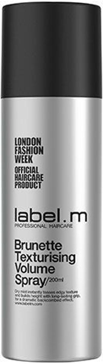 Label.m Спрей текстурирующий для объема для брюнеток 200 млLFBTS200Сухой спрей специально для брюнеток мгновенно взбивает слоистую текстуру и создаёт высокую эффектную причёску с длительной фиксацией. Универсальный спрей специально для брюнеток. Текстурирующие преимущества сухого шампуня в сочетании с фиксацией лака для волос. Потрясающий объём и мгновенный прикорневой объём. Оживляет тонкие волосы.