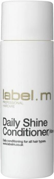 Label.m Кондиционер мягкий блеск 60 млLCDS0060Кондиционер для ежедневного использования, подходит для всех типов волос. Питает и разглаживает волосы, предотвращая спутывание. Протеины сои и пшеницы придают сияние- белый чай, дыня и эхинацея интенсивно увлажняют. Эксклюзивная разработка label.m, инновационный комплекс Enviroshield защищает волосы от термического воздействия во время укладки и от УФ лучей.